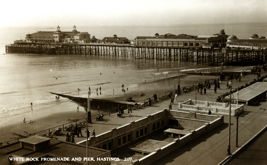 White Rock promenade and Hastings Pier