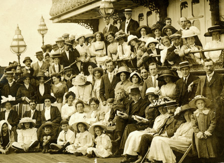 Group of Edwardian visitors to the Pier, photographed by W J Willmett