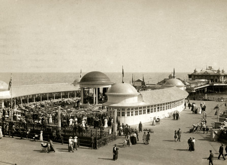 Postcard showing bandstand and Pier pavilion