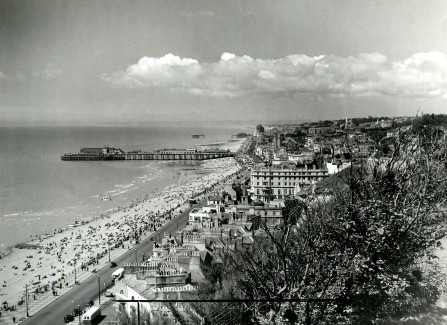 Hastings and St Leonards Piers after WWII