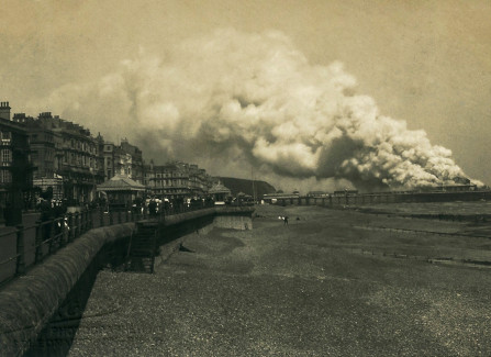 1917 Pier fire from the west beach