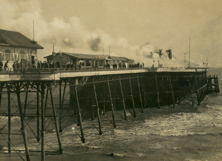 Fighting the 1917 Pier fire