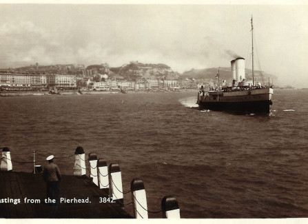 Steamer approaching Hastings Pier head