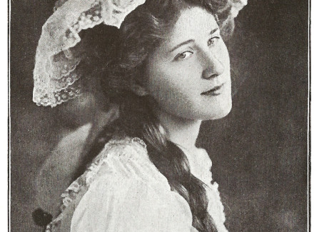 Miss Phyliss Dare, actress