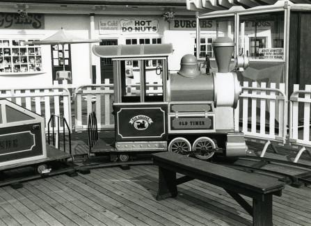 Miniature railway on the Pier apron