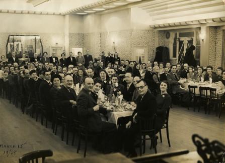 Formal dinner on Hastings Pier, 1948
