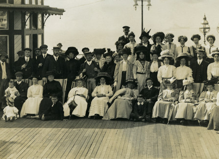 Edwardian group photograph on Hastings Pier, including some of the Morris family.
