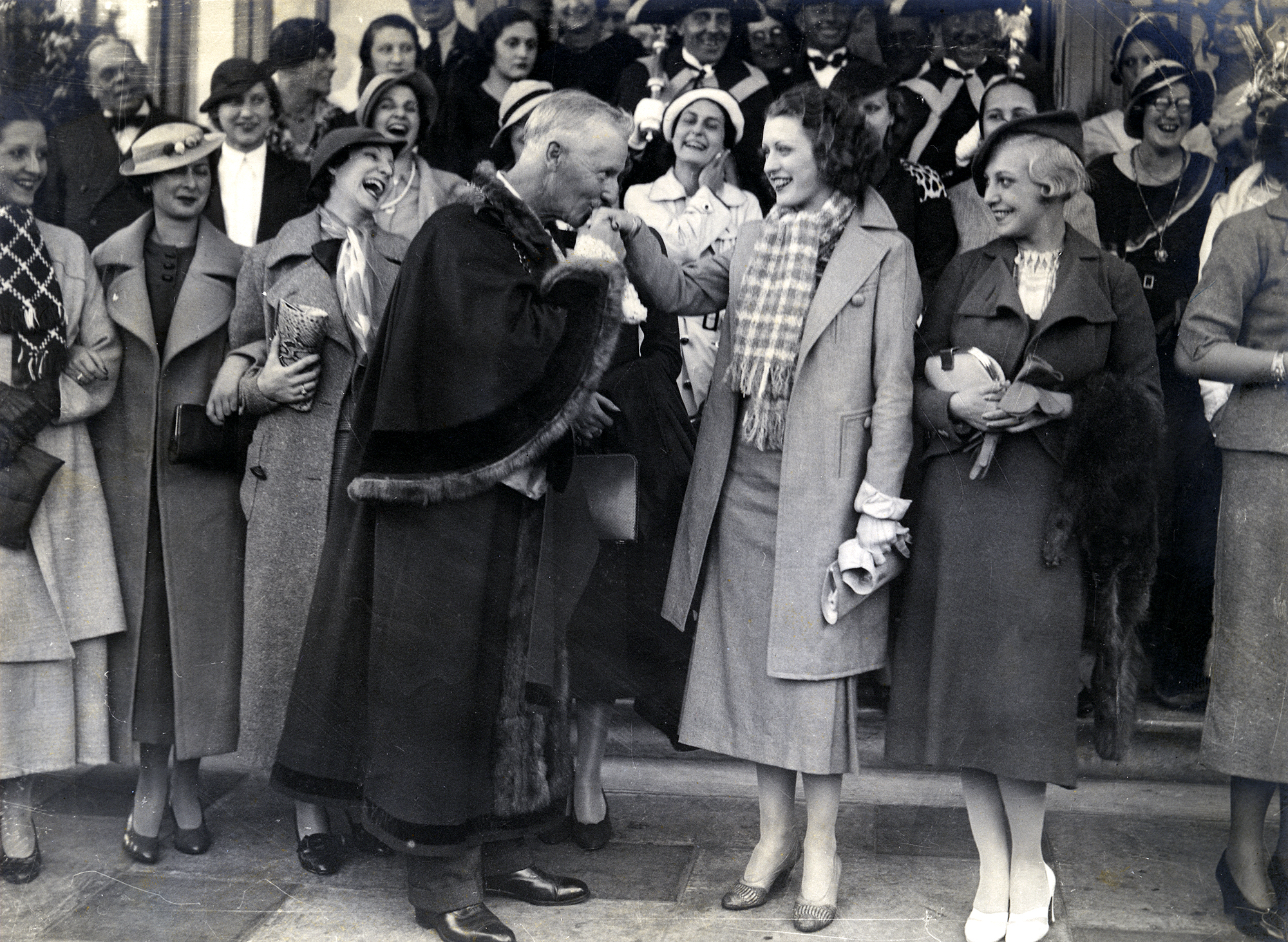 The Mayor of Hastings greets Miss France