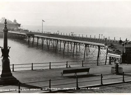 South African War memorial and Hastings Pier, 1906