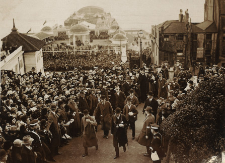 The Prince of Wales opens the White Rock Pavilion, 1927