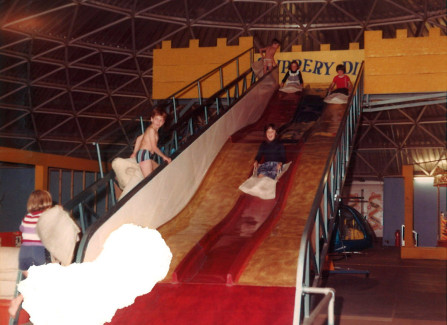 Kids' slide in the Triodome
