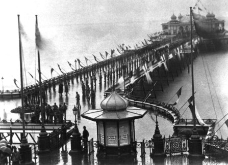 The 1872 opening of Hastings Pier