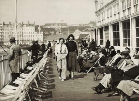 Women walking on the Pier, 1930s