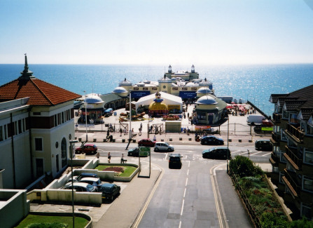 The Pier in 2006 with only the apron open