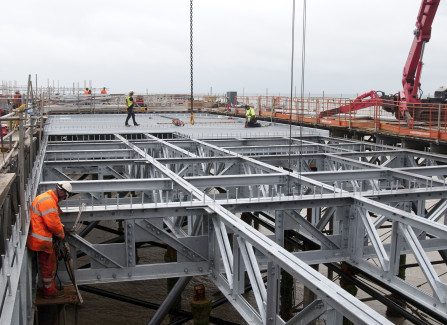 Installing the New Structure to Support the Pier Visitors Centre