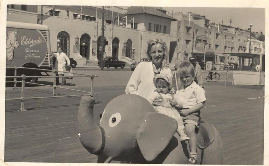 The Leigh family circa 1958