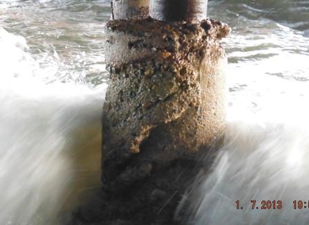 Wave around column base