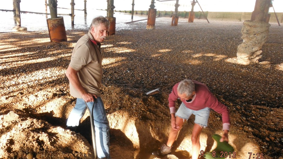 Digging under the Pier to find missing column 258 in 2013
