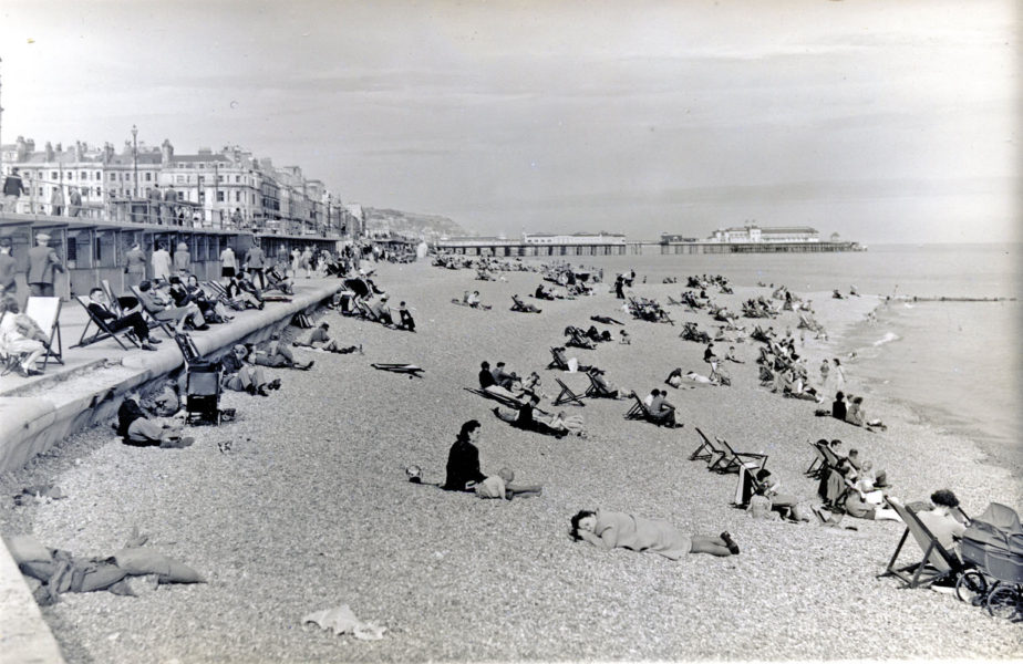 At the end of the Second World War, families flocked to the re-opened Pier and the beaches, which had been off-limits to civilians.