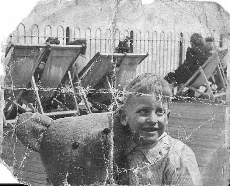 Hastings Pier 1947